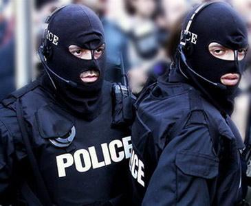 Полицията неутрализира крадци на ел. двигател и меден проводник