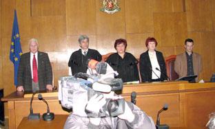 Утре са наред ключовите свидетели: затворникът Владимир Славов, вуйчото Паун Лазаров и 12-годишната (към 2006 г.) приятелка на Лазар, Виолета Витекова