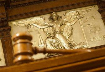 16 месеца лишаване от свобода условно и 140 хил. лв. обезщетение за наследниците на пострадалия е присъдата за кранист, причинил смърт поради немарливост