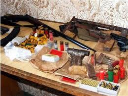 При спецакция иззеха незаконните боеприпаси на трима рамбовци от Ветрен, Славовица и Септември