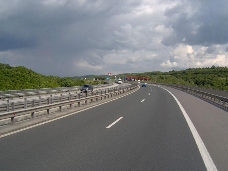 """От днес започват ремонти на 5 места по магистрала """"Тракия"""""""