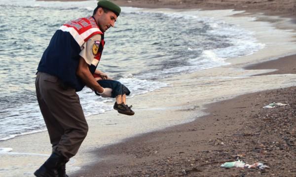 Изповедта на бащата: Децата се изплъзнаха от ръцете ми!