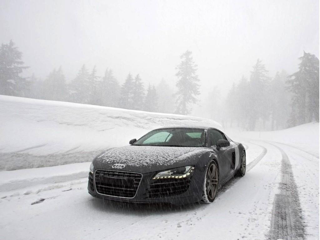 Защо е важно да почистваме колите си от снега /Видео/