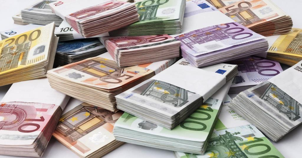 8-годишно дете намери 54 хиляди евро  до хотел във Велинград и ги върна!