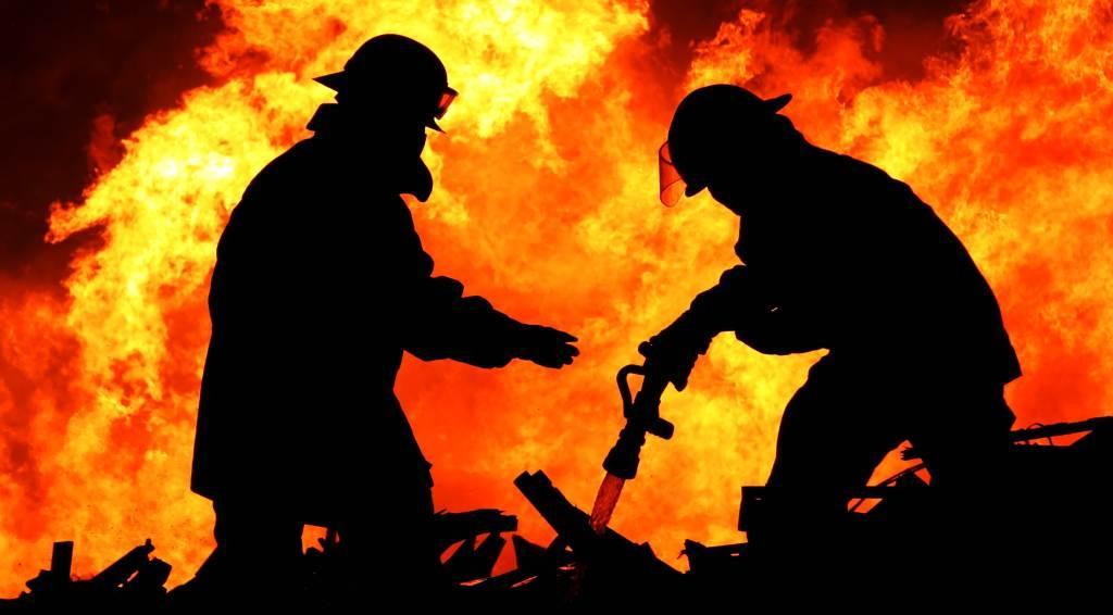Ракитовски полицаи заловиха мъж запалил бащината си къща