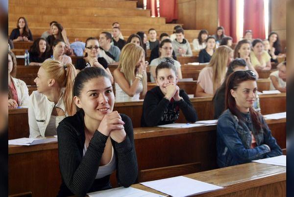 Родители ще следят дали учениците преписват на матурите