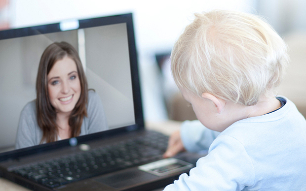 Една Скайп майка: Едвам се сдържам да не прегърна монитора