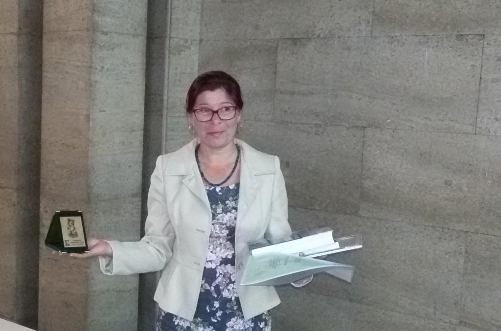 Стефка Венчева получи награда на името на Блага Димитрова в конкурс за написано от жена произведение на морално-етична тема
