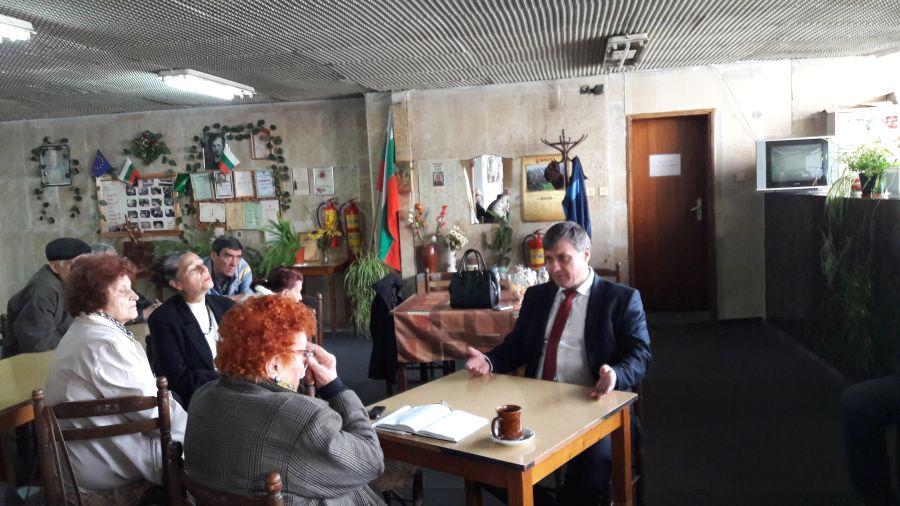 Кметът  д-р Костадин Коев на изнесен приемен ден в квартал Лъджене