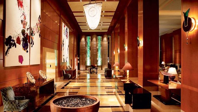 Хотелиерите ще се отчитат на данъчни и МВР