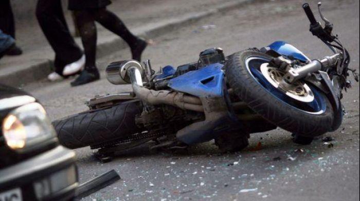 Драгиновец с товарна кола при обратен завой причини смъртта на моторист от Пловдив