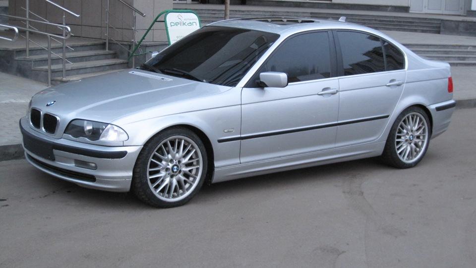 """В Изпълнителна агенция """"Автомобилна администрация"""" е постъпила информация, че автомобилите BMW Серия 3, модел Е46, произведени в периода от месец май 1999 г. до месец август 2006 г., са засегнати от техническа кампания с извикване на собствениците в сервиз."""