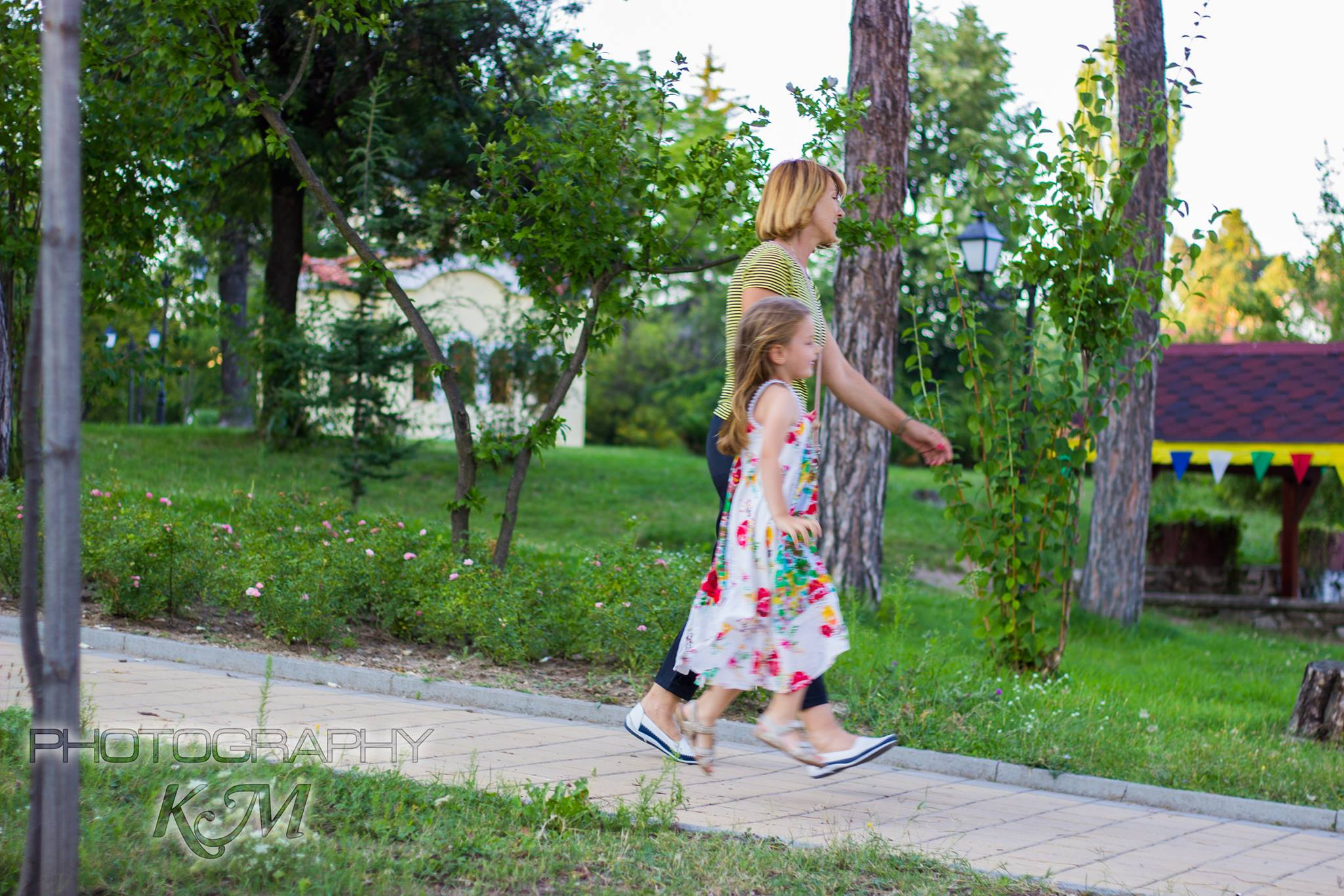 Продължават действията по облагородяването и възстановяването на градската среда във Велинград