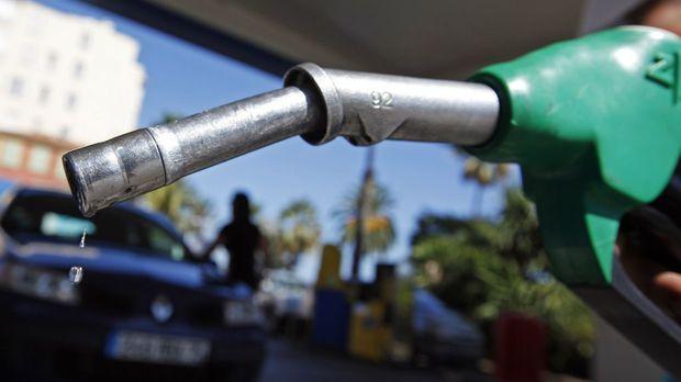 Установен е картел при шест вериги бензиностанции