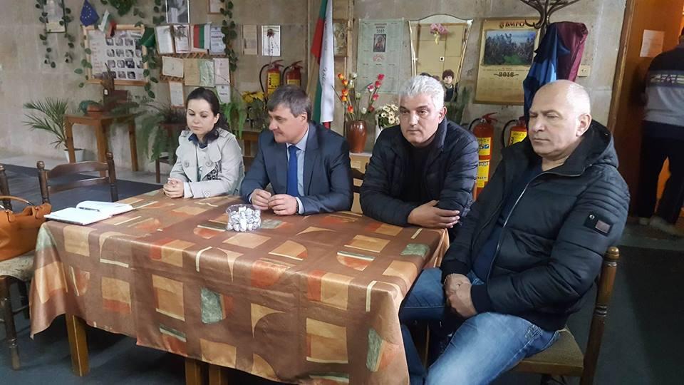 Д-р Костадин Коев проведе изнесен приемен ден и в кв. Лъджене