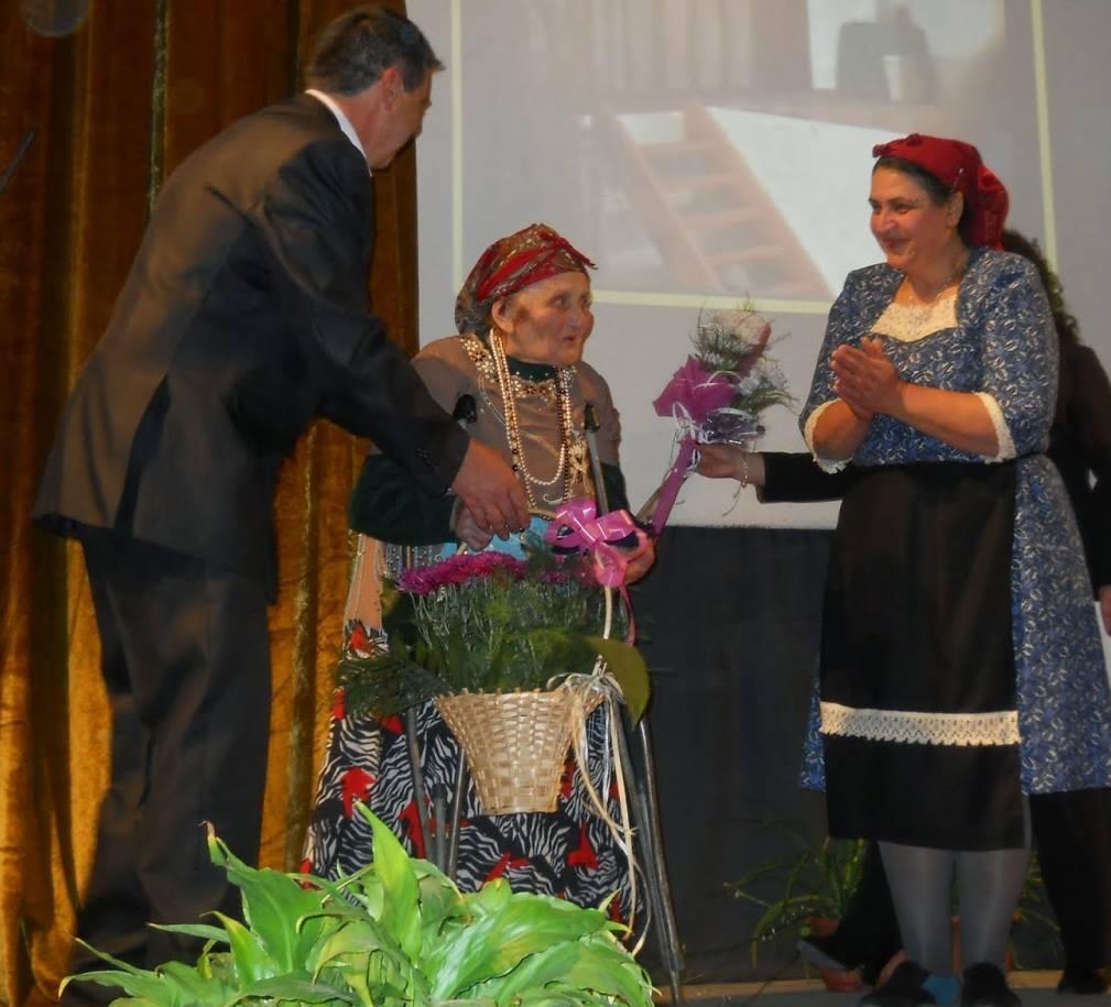 90 г. юбилей на самодейната актриса Надежда Цигова от Ракитово
