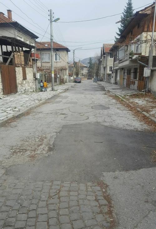 Община Велинград изпълнява графика за ремонт на улиците