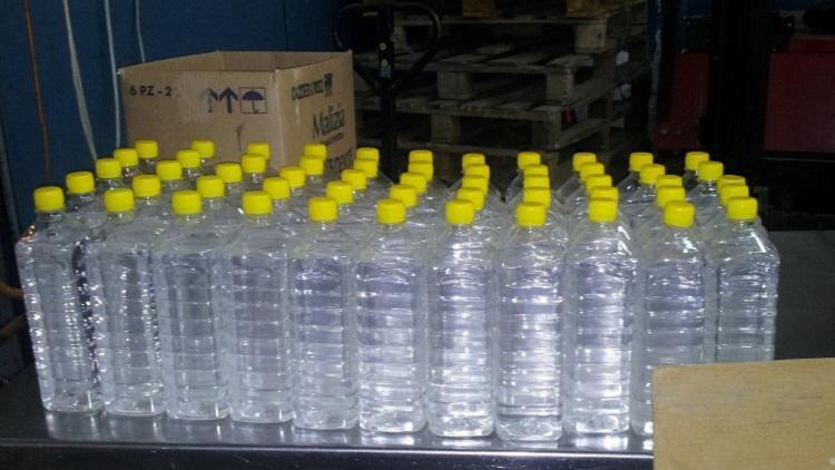 При проверки на жилища в Пещера, Септември, Ракитово и Пазарджик били открити общо 116 литра високоргадусов алкохол в бутилки от ПВЦ