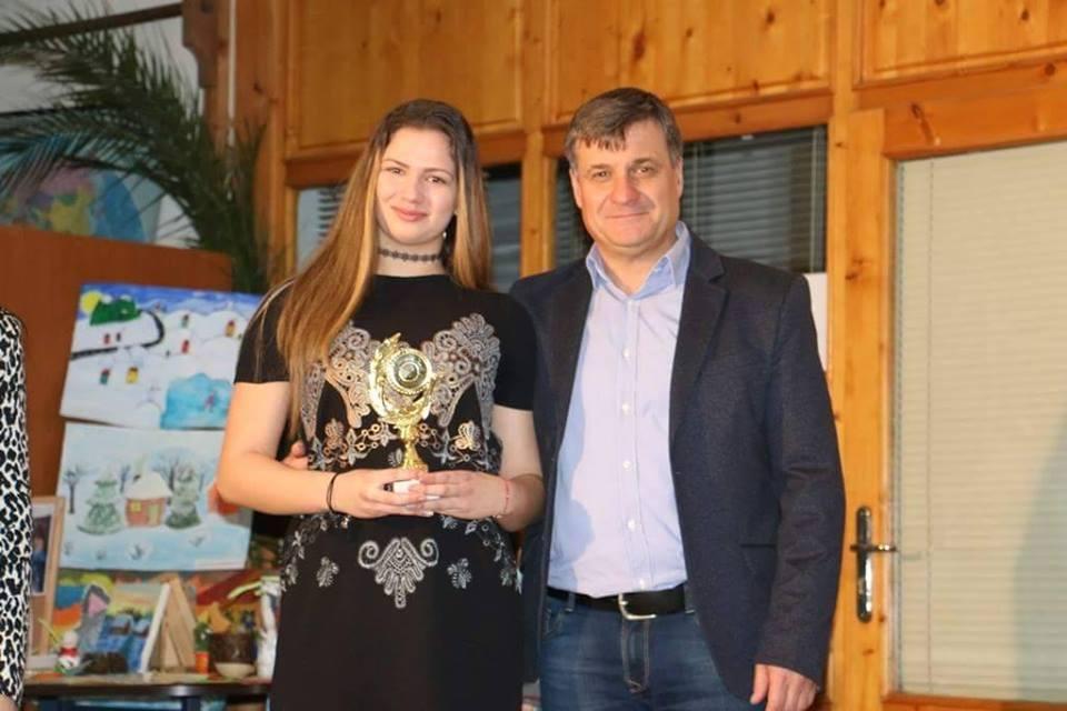 """Двадесет и седем велинградски спортисти бяха наградени за високи """"Спортни постижения 2016"""""""