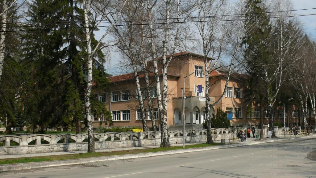 Професионалната гимназия по икономика и туризъм във Велинград е сред новите училища – посланици на ЕП в България