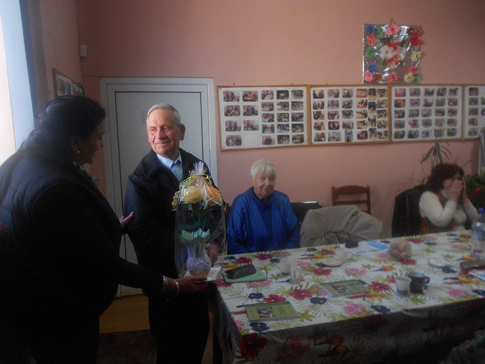 """На 21.02.2017г. на гости на Дневния център за възрастни хора с увреждания, беше г-н Милен Налбантов, учител и директор на СОУ""""Методий Драгинов""""-с.Драгиново"""