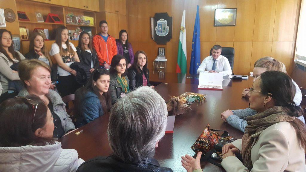 Ученици от Москва гостуваха на кмета на Община Велинград