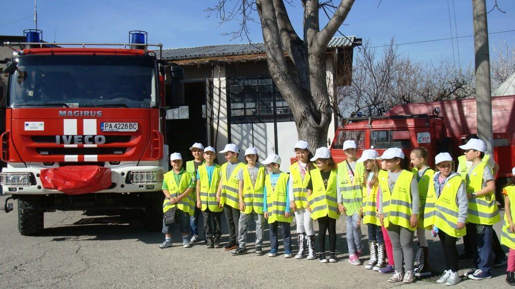 """Активно продължават инициативите свързани с реализирането на програмата  """"Детско полицейско управление"""" и във Велинград"""