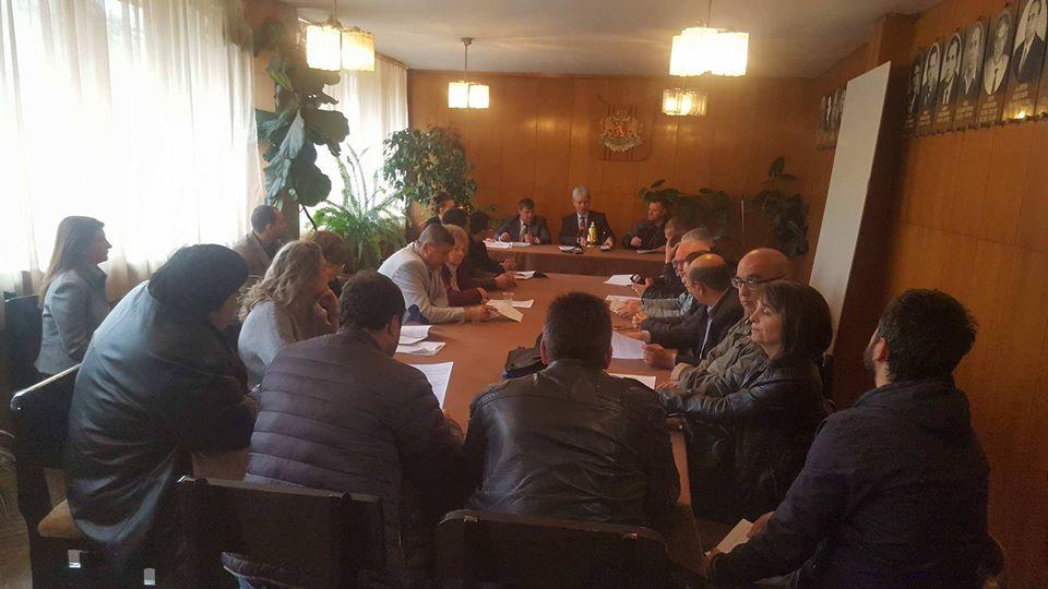 На извънредна сесия общинските съветници гласуваха проекторешение за претоварна станция във Велинград
