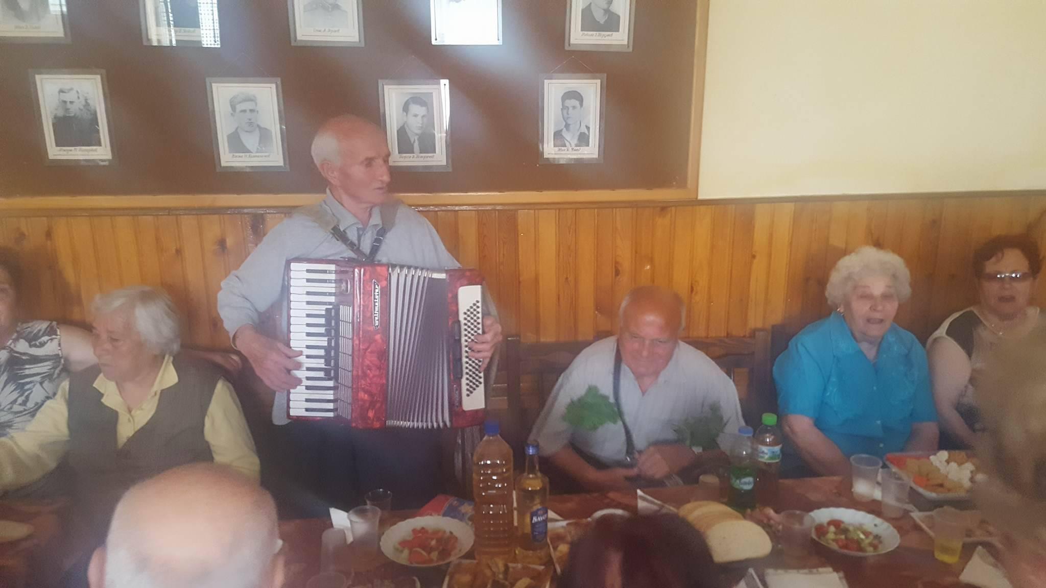 Кметът Коев гостува на клуб на пенсионера в кв. Каменица
