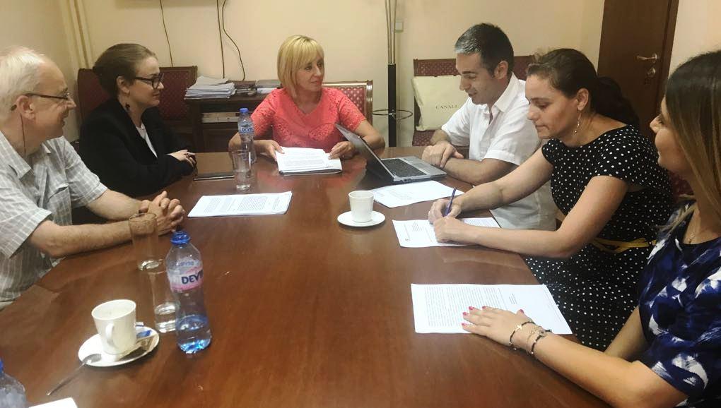 Омбудсманът Мая Манолова към членовете на ЦИК: Бавите  експерименталното гласуване по интернет