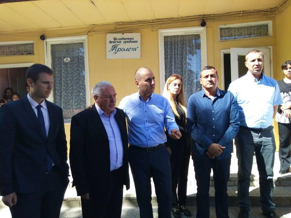 Утре Цветан Цветанов прави първа копка на нова детска градина в Драгиново