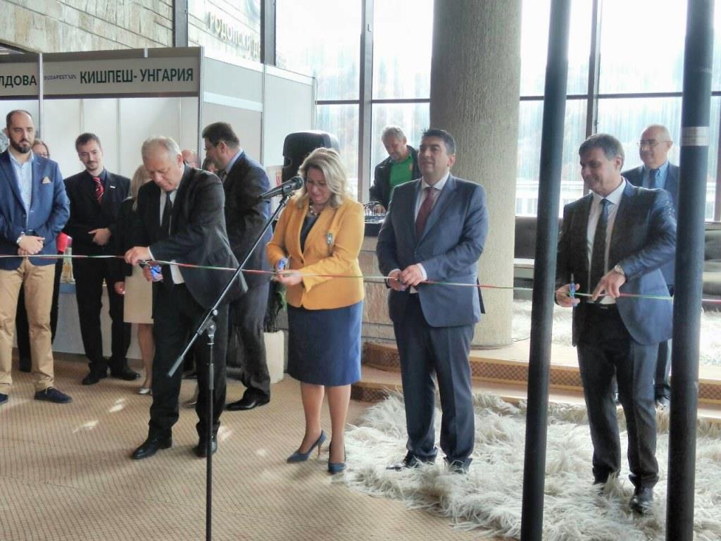 Кметът д-р Костадин Коев участва в откриването на 14-тото Международно туристическо изложение в Смолян