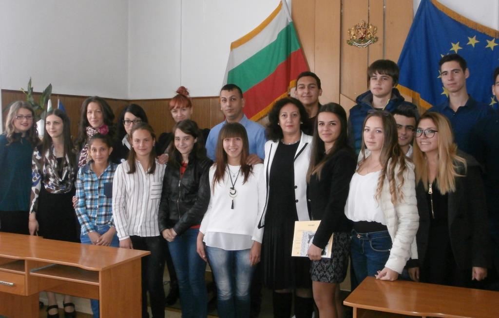 Ученици станаха мениджъри за един ден в Община Ракитово