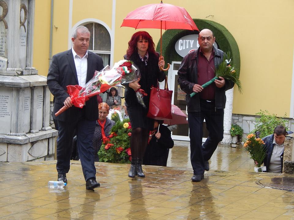 В Ракитово отбелязаха 105 г. от Балканската война Поднесени бяха венци и цветя пред паметника на ген.Стилиян Ковачев