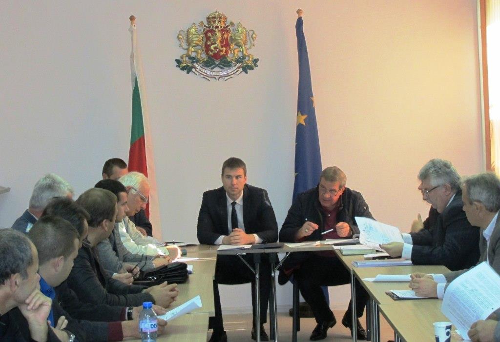Общини и институции докладваха на областния управител готовността си за предстоящия зимен сезон