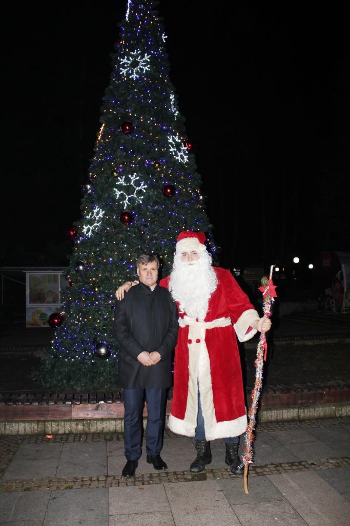 Грейна Коледната елха във Велинград