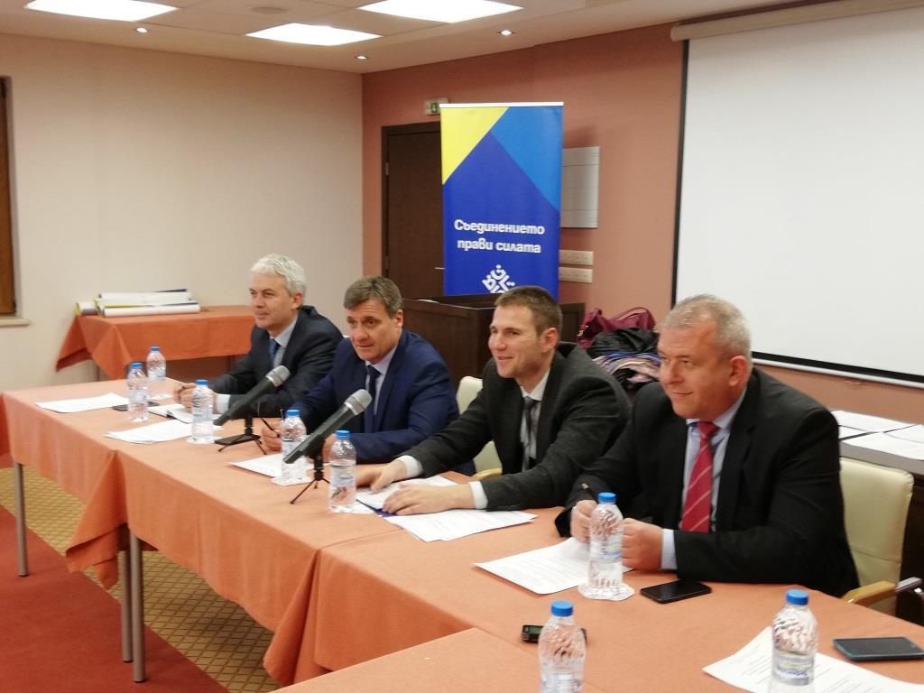 Областният управител Стефан Мирев апелира кметовете на общини да сигнализират незабавно за некачествено почистване на речните корита