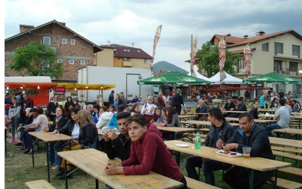 """Кулинарно-музикалния фестивал  """"ТАБИЕТ"""" гостува във Велинград"""