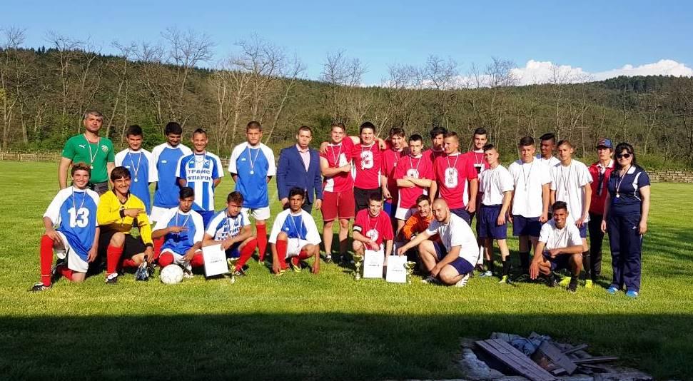 Проведе се общински турнир в Ракитово по футбол за ученици от 8 -10 клас