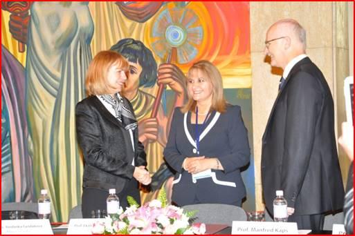 Акад. Титянова с NATIONAL MEDICAL AWARDS 2018 за принос в медицинското образование