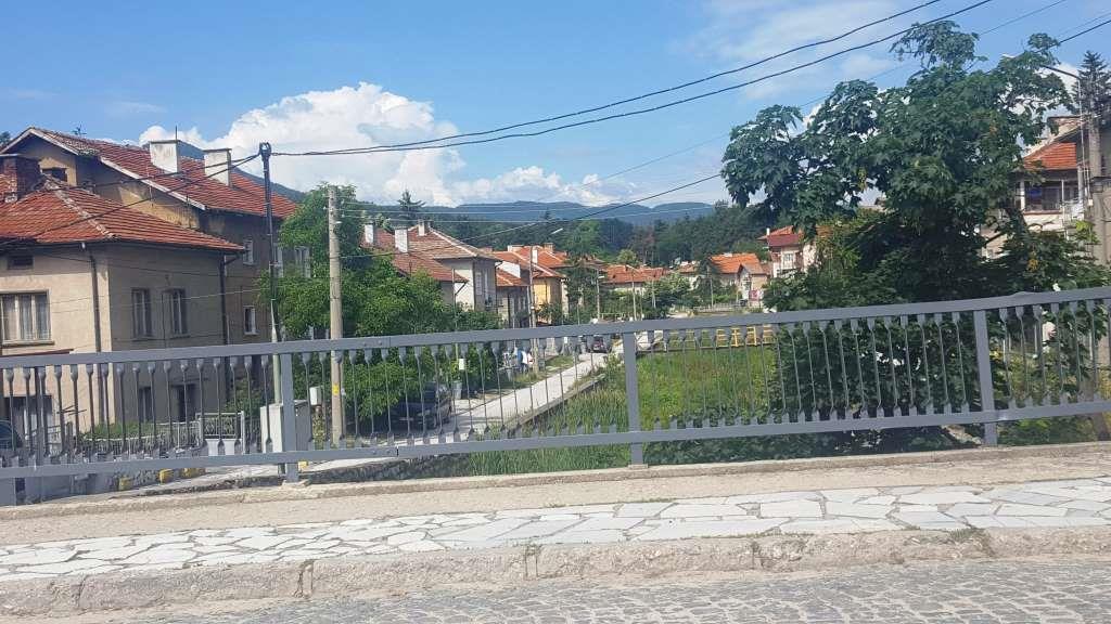 Община Велинград предприе действия по подобряване на градската среда.