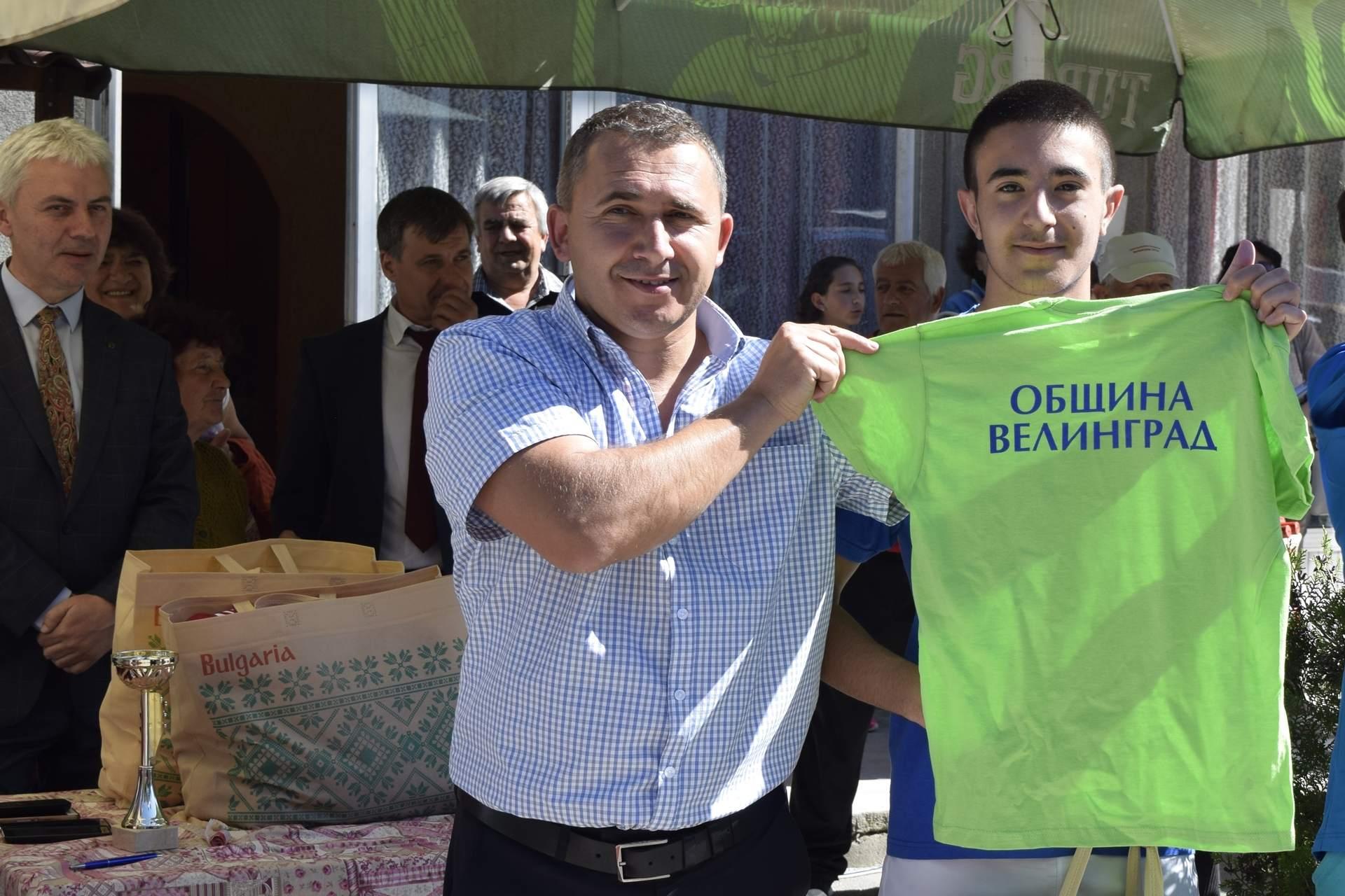 """Шампион в 25-тото издание на лекоатлетическата щафета за купа """"Велинград"""" стана СУ """"Методий Драгинов"""""""