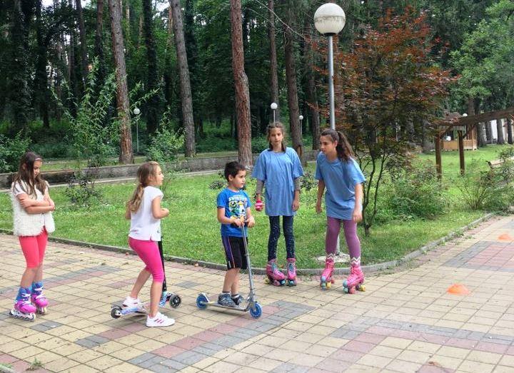 Забавления с ролери и тротинетки в парк Вельова баня