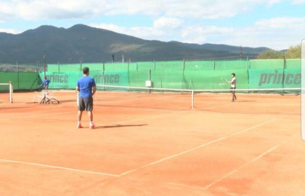 """Велинград за трeти път ще бъде домакин на тенис турнир за аматьори """"Велинград и приятели"""""""