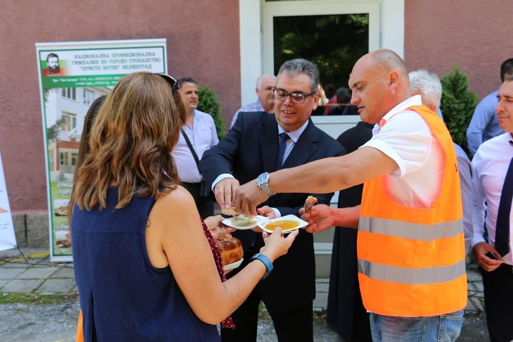Изпълнява се проект за обновяване на Професионалната гимназия по горско стопанство във Велинград на стойност 1.3 милиона лева