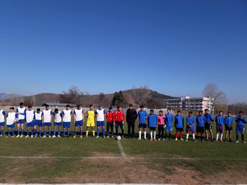 """Отборът на СУ """"Методий Драгинов"""" е последният велинградски участник за областния кръг на ученическите игри по футбол"""