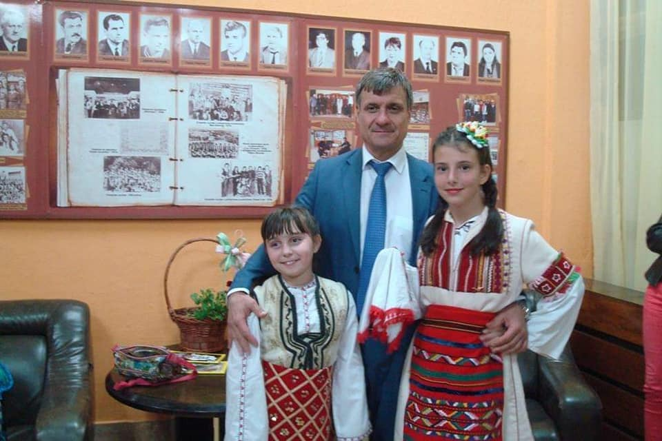 Д-р Костадин Коев отличи двама настоящи будители