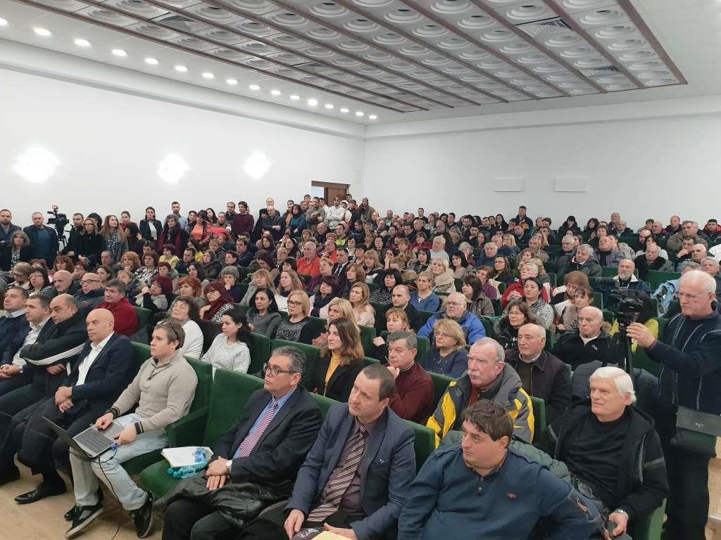 """С голям обществен интерес гражданите на Велинград се обединиха около идеята на кмета д-р Костадин Коев за обновяването на """"Клептуза"""""""