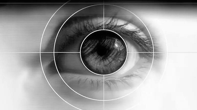 """""""Медикъл Караджъ"""" и American Hospital подаряват  лазерна очна корекция на пациент от България"""