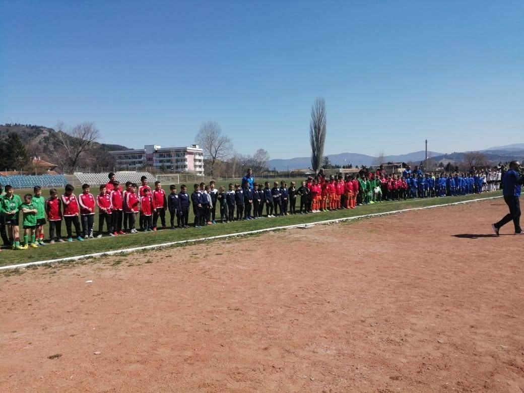 """Над 300 деца от цялата страна участват във футболен турнир """"Ние сме бъдещето – Велинград Къп -2019"""""""